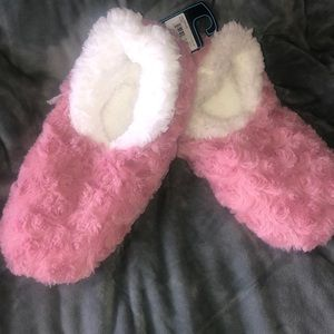 Shoes - Snoozies slippers